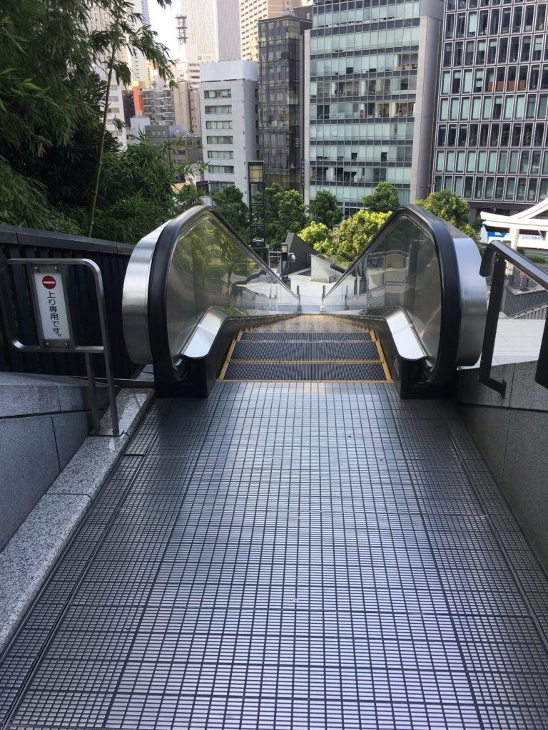 日枝神社 エスカレーター