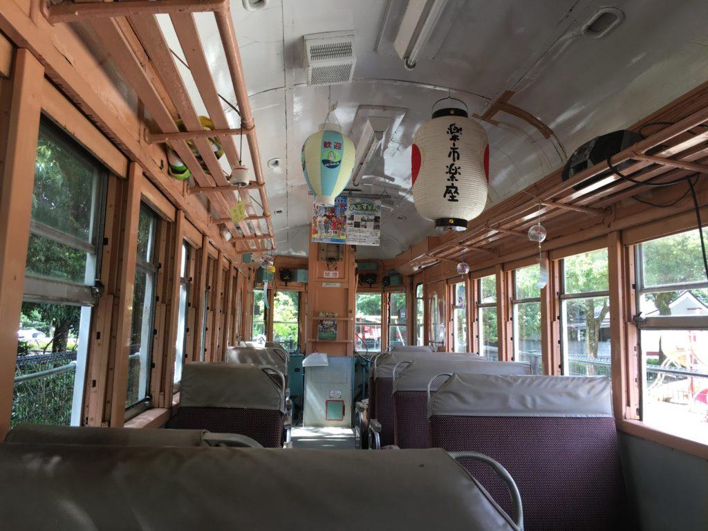 金公園の電車「新岐阜」行き