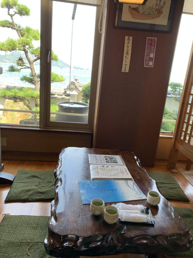 「海鮮料理伊豫水軍(いよすいぐん)」の座敷席